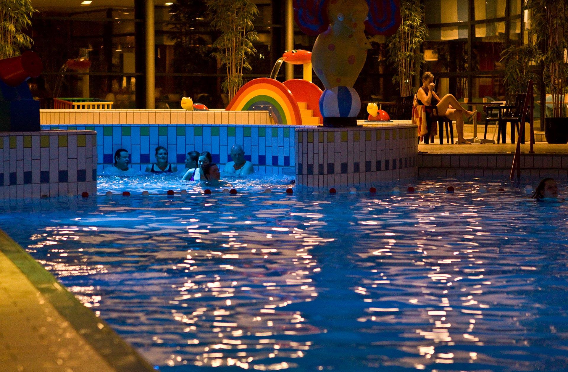 Zwembad Dolfijn Hoogeveen.Zwembad De Dolfijn Gemeente Hoogeveen